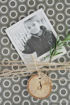 City Farmhouse- 10 fun & meaningful holiday wrapping ideas {use poloaroids & wood chips}