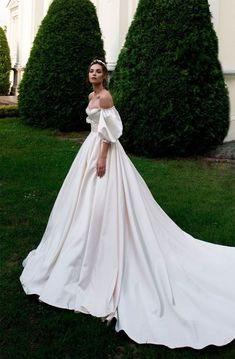 Off the shoulder sweetheart neckline ball gown a line wedding dress chapel train. - Off the shoulder sweetheart neckline ball gown a line wedding dress chapel train… – - Dresses Elegant, Vintage Dresses, Beautiful Dresses, Amazing Dresses, Dream Wedding Dresses, Bridal Dresses, Natural Wedding Dresses, Corset Wedding Dresses, Colorful Wedding Dresses