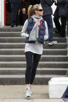 Elle MacPherson - Elle Macpherson Dropping Off Her Kids At School
