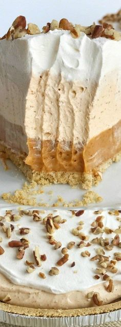 This no bake Triple Layer Pumpkin Spice Pudding Pie from Together As Family is a delicious twist on pumpkin pie. It's a creamy pie with three thick layers of pumpkin spice flavor and only five ingredients! (christmas sweets no bake) Köstliche Desserts, Holiday Desserts, Holiday Baking, Holiday Recipes, Delicious Desserts, Dessert Recipes, Yummy Food, Christmas Sweets, Pumpkin Dessert