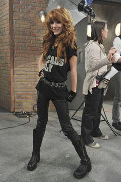 Bella Thorne Movies, Bella Thorne And Zendaya, Disney Channel, Zendaya Model, Belle Thorne, Old Disney, Teenager Outfits, Celebs, Celebrities