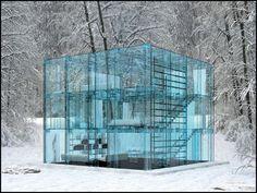 Casa de Vidro Criada pelo arquiteto Carlo Santambrogio, esta casa fica em uma propriedade rural próxima a Milão, na Itália.