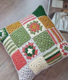 Cojín Patchwork a crochet