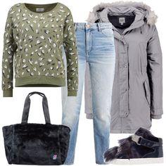 Un look semplice per una fredda giornata all'università composto da jeans, felpa Only, cappotto invernale Gap con cappuccio, sneakers alte in finta pelle e maxi shopping bag.