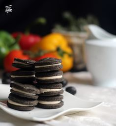 Galletas Oreo… ¡de aceitunas negras! Oreos, Yummy Snacks, Snack Recipes, Cauliflower Cheese Bake, Homemade Sauerkraut, Great Appetizers, Fermented Foods, Holiday Recipes, Catering