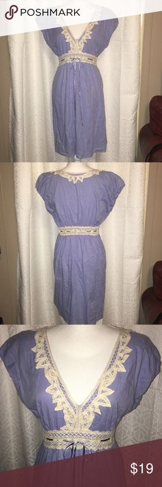NWOT MAX STUDIO LT BLUE DRESS W/LACE SZ LG This beautiful Max Studio dress is light blue with a cream color lace that is around the collar waist and a blue ribbon tie around the waist it's 100% cotton and a size large and 36 1/2 inches from the shoulders and is simply gorgeous!! Max Studio Dresses Midi