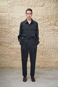 Lemaire Fall 2020 Menswear Fashion Show - Vogue Men's Fashion, Live Fashion, Paris Fashion, Runway Fashion, Fashion Outfits, Fashion Trends, Guy Outfits, Unisex Fashion, Fashion 2020
