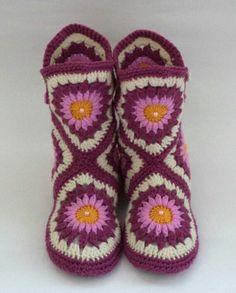 Socks: Hand knit socks,slipper/Women Shoes /knitted slippers socks/ purple knit socks/Knitted Wool Socks/knitted socks/warm socks – Knitting world Crochet Slipper Pattern, Knitted Slippers, Wool Socks, Slipper Socks, Crochet Slippers, Knitting Socks, Hand Knitting, Knitting For Beginners, Crochet Designs