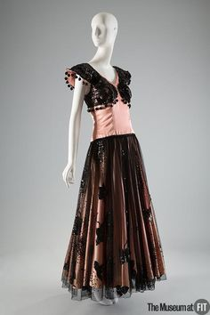 Ana de Pombo for House of Paquin dress, circa 1946. Collection of The Museum at FIT #dancefashion