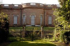 CHÂTEAU DE LA REYNERIE - Lié à l'histoire des Dubarry, le Château Reynerie témoigne de l'architecture de la fin du XVIIIe siècle. Protégé au titre des Monuments Historiques, cet édifice construit entre 1781 et 1783, fait partie intégrante du Patrimoine bâti toulousain.