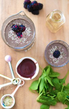 This energy-boosting Acai Matcha Smoothie is just what you need to start your day off on the right foot. Perfect for on the go! As I'm sitting here, It's spitting snow outside and I'm starting to wish it was mid-June. Winter hasn't even gotten its proper start yet and I'm already wishing it away… shame … Frozen Fruit, Post Workout Smoothie, Matcha Smoothie, Matcha Green Tea Powder, Baby Spinach, Hemp Seeds, Grocery Store