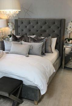 Grey Bedroom Design, Grey Bedroom Decor, Glam Bedroom, Room Ideas Bedroom, Home Bedroom, Classy Bedroom Ideas, Mirrored Bedroom Furniture, Master Bedroom, Aesthetic Bedroom