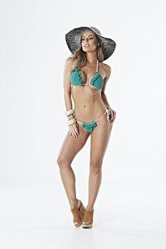 Receitas Círculo - Biquíni Bicolor Bikinis, Swimwear, Ideias Fashion, Beachwear Fashion, Recipes, Bathing Suits, One Piece Swimsuits, Bikini, Swimsuit