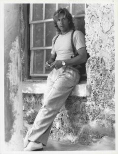 /\ /\ . Don Johnson, Miami Vice