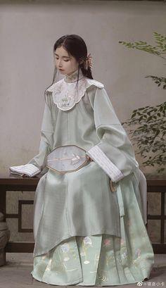 Royal Fashion, Cute Fashion, Modest Fashion, Star Fashion, Fashion Dresses, Chinese Wedding Dress Traditional, Chinese Style, Traditional Dresses, Dynasty Clothing