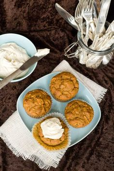 "Gluten Free Carrot Pineapple Cupcakes wuth Maple ""Cream Cheese"" Topping - Dairy and refined sugar free too! Sugar Free Desserts, Gluten Free Desserts, Dairy Free Recipes, Gluten Free Muffins, Gluten Free Cakes, Pineapple Muffins, Pineapple Cupcakes, Dairy Free Milk, Muffin Recipes"