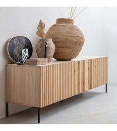 Tv Furniture, Small Furniture, Dining Room Furniture, Wood Sideboard, Credenza, Wood Interiors, My Living Room, Interiores Design, Decoration
