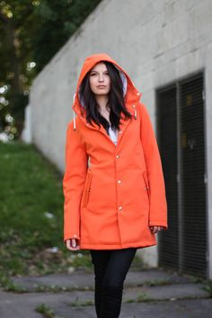 Get the classic rainwear look, with a modern twist. Rain Jackets, Rain Wear, Raincoat, Orange, Classic, Collection, Style, Fashion, Rain Jacket
