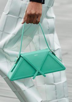 Luxury Bags, Luxury Handbags, Women's Handbags, Leather Bags Handmade, Fashion Bags, Paris Fashion, Beautiful Bags, Handbag Accessories, Bag Making