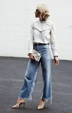 Gorgeous 40 Ways to Stay Casual and Cool to Improve Your Outfit Styles http://clothme.net/2018/03/18/40-ways-stay-casual-cool-improve-outfit-styles/