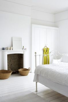 All white bedroom with fireplace via Jane Cumberbatch's Pure Style photo ©Rachel design decor Room All White Bedroom, White Rooms, White Bedding, Pretty Bedroom, White Walls, Home Living, Living Spaces, Modern Living, Living Rooms