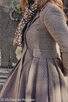 Coat by Ti Mo and scarf Rose Métal