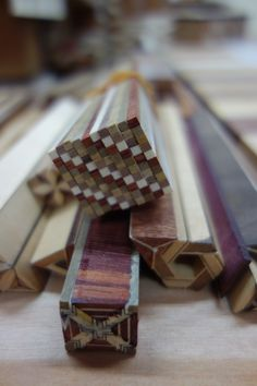 Yosegi Zaiku Hakone Generations of Craft Japanese Woodworking, Woodworking Joints, Woodworking Patterns, Woodworking Projects Diy, Woodworking Furniture, Fine Woodworking, Woodworking Beginner, Woodworking Organization, Woodworking Videos