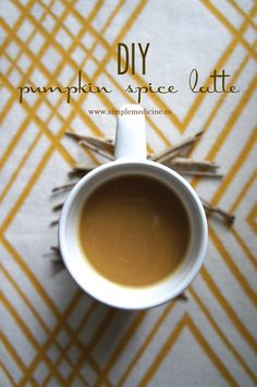 A sweet and healthy alternative to the basic Starbucks Pumpkin Spice latte. This treat is good for you with wholesome ingredients! Eat clean through the holidays: DIY Starbucks Pumpkin Spice Latte Recipe || On Simple Medicine
