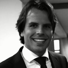 """The Return on Education of: Bas Rookhuijzen  """"The Nyenrode MBA provided me with the right management skills needed in a modern global cooperation. The Nyenrode network has proven to be very valuable when finding a high profile job.""""  Bas Rookhuijzen is an alumnus of the Executive MBA program at Nyenrode Business Universiteit."""