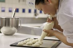 How to apply to Le Cordon Bleu Ottawa in 7 easy steps. Le Cordon Bleu, Becoming A Chef, Elegant Desserts, Icing, How To Apply, Ice Cream, Easy, Food, No Churn Ice Cream