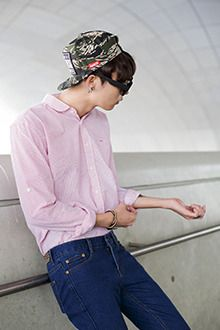 Today's Hot Pick :Striped Seersucker Shirt http://fashionstylep.com/SFSELFAA0012757/tlrkeen/out Go for comfy-cool this season with this striped seersucker shirt. With softly rounded edge point collar, long sleeves with wide cuffs, and button-down closure, this shirt is perfect for daytime styling for this season. Goes well with gray slacks and black dress shoes.