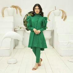 Pakistani Party Wear Dresses, Designer Party Wear Dresses, Kurti Designs Party Wear, Pakistani Dress Design, Stylish Dress Book, Stylish Dresses For Girls, Dresses Kids Girl, Simple Dresses, Sleeves Designs For Dresses
