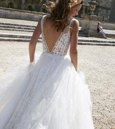 Mira Mandić (@miramandic) • Mira Mandic lace wedding dress