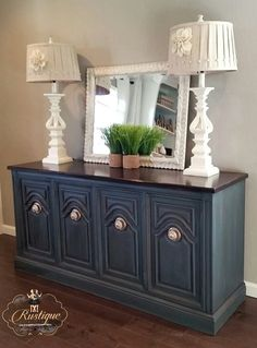 Annie Sloan Aubusson Blue with Graphite Was and Dark Wax Glaze. Visit us in the face Refurbished Furniture, Shabby Chic Furniture, Furniture Makeover, Dresser Makeovers, Chalk Paint Furniture, Furniture Projects, Home Furniture, Furniture Design, Home Office Decor