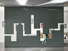 DIVIDER WALL-MOUNTED STORAGE WALL 30MM / LAGOLINEA WEIGHTLESS   LAGO