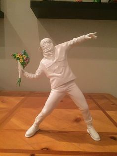 Flower Bomber by Banksy + Medicine Toy Japan (official) Kaws Rare Basquiat in Spielzeug, Action- & Spielfiguren, Designer & Urban Vinyl | eBay!