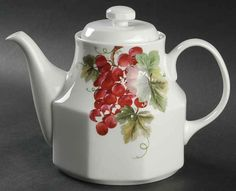 Royal Doulton VINTAGE GRAPE Tea Pot