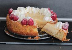 Koolhydraatarme roomvlaai! Carb Free Snacks, Healthy Snacks, Sweet Pie, Low Carb Keto, No Bake Desserts, Lchf, Cheesecake, Paleo, Sweets