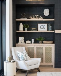 I love how the black brick veneer makes the light wood shelves and accessories POP💥. We thought about painting them white for a hot minute… Oak Shelves, White Shelves, Brick Shelves, Black Brick, Black Walls, Built In Cabinets, Oak Cabinets, Decorating Your Home, Interior Decorating