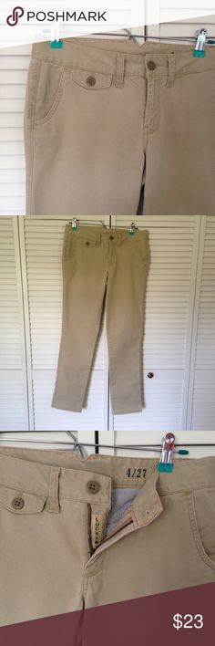 """Lucky khakis size 4/27 Really cute lucky khakis. Never worn, just a tad bit too big for me. 😞 Great pockets, classic khaki color.  Size 4/27.  Professionally altered to be shorter.  Measurements laying flat are S as follows:  total length-36 1/2"""", waist-16"""", hips-19"""".  Perfect condition.  I love offers, questions, and custom bundles.  Check out my 🆓 with purchase items. Lucky Brand Pants"""