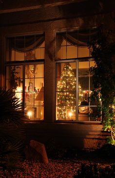 .Looking inside the Cottage at Christmas.