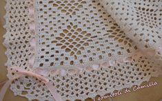 Copertina con rombi e bordura a ventaglietti