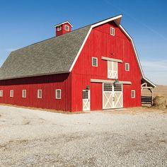 Gambrel Horse Barn in Nebraska