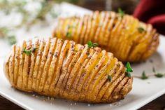 Patate hasselback per un contorno sfizioso e invitante secondo la tipica ricetta svedese