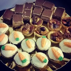 Mini Bela's - Carrot cake, tarta de frutas secas y chocotorta #belas #minigateaux #minipie #minicake