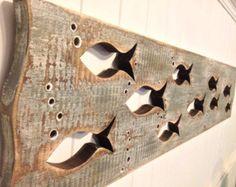 Escuela de madera de pescado arte cabecera King por CastawaysHall