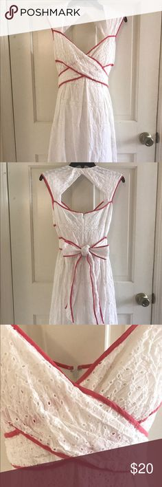Jessica Simpson knee length cotton dress size 6 100% cotton Jessica Simpson white dress with coral piping, fully lined with cups, knee length. Great for a Sunday afternoon with flats or wedges. Jessica Simpson Dresses Midi