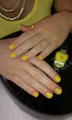zoya yellow nails