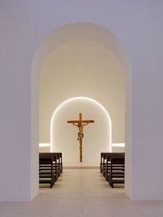Small chapel inside the Moritzkirche recently renovated by John Pawson. - Small chapel inside the Moritzkirche recently renovated by John Pawson. Photo by… Small chapel - Sacred Architecture, Cultural Architecture, Church Architecture, Religious Architecture, Education Architecture, Residential Architecture, Architecture Design, Sustainable Architecture, Church Interior Design