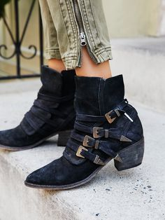 Mason Western Boot | Western-inspired suede boots featuring multiple adjustable buckle accents with metal detailing. Pointed toe and stacked heel complete the look.